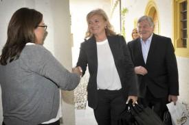 La socialiste yverdonnoise Cesla Amarelle accueille ses collègues Roberta Pantani, de la Lega, et l'UDC Hans Fehr. © Michel Duperrex