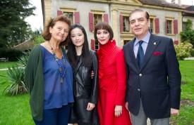 De g. à d., l'organisatrice Christiane de Muller, accompagnée de la directrice artistique Linda Lin, la princesse Lia et le prince Paul de Roumanie. © Michel Duperrex