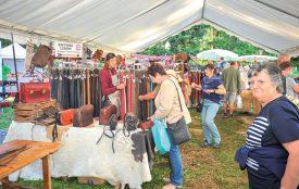 Les produits en cuir, matière phare de cette édition du Festival des Terroirs sans Frontière, se déclinaient en de nombreuses créations. ©Carole Alkabes