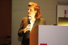 Catherine Hirsch, directrice de la HEIG-VD, a ouvert la partie officielle organisée, vendredi, à l'Aula, sur le site de la route de Cheseaux. © Gabriel Lado