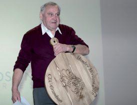 Nicolas Burri, pilier du club de cynologie grandsonnois où il a pratiquement occupé toutes les fonctions, a également été remercié. ©Champi