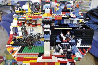 Il construit sa propre Etoile Noire en Lego - La Région
