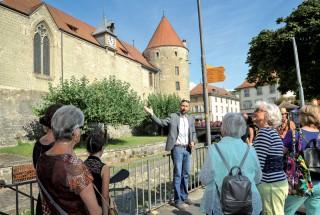 Christian Schulé a proposé une passionnante visite d'Yverdon-les-Bains. ©Carole Alkabes