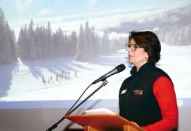 Dominique Faesch, directrice du tourisme régional, lors de la présentation du nouveau logo, hier, à Yverdon-les-Bains. © Michel Duvoisin