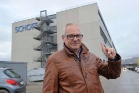 Pascal Cotter, directeur général adjoint des EHNV, devant les locaux qui lui sont refusés, au 3e étage de Galilée 2. © Michel Duperrex