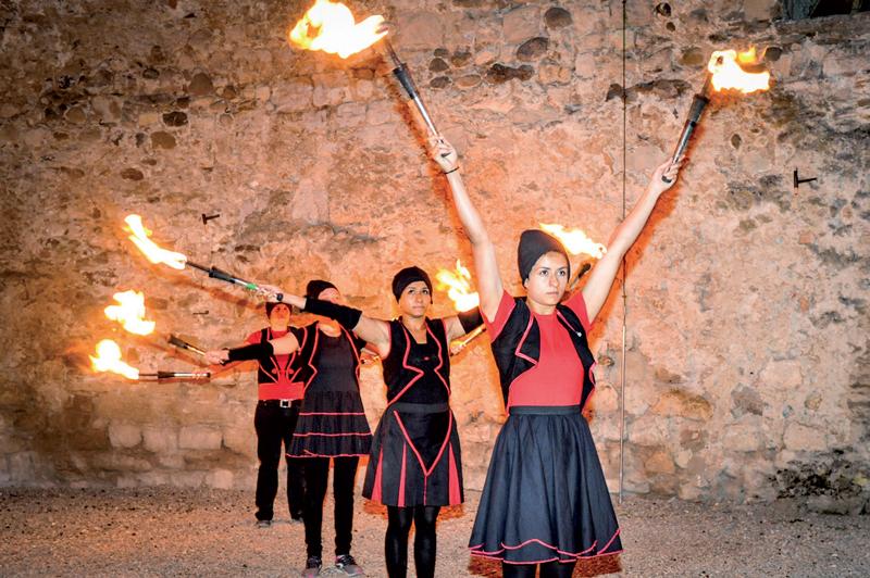 LeZarti'Cirque de Sainte-Croix a présenté des numéros aussi chaleureux qu'impressionnants. ©Carole Alkabes