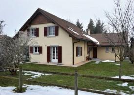 C'est dans cette maison, à Assens, que le drame s'est déroulé au milieu de la nuit du 27 au 28 octobre 2012. © Michel Duperrex