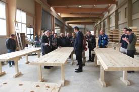 Les membres de Lignum ont visité l'entreprise Ducret. © Roger Juillerat