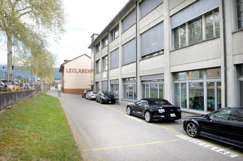 Situées au rez-de-chaussée de l'aile 12 de l'ancienne usine Leclanché, les classes fermeront officiellement leurs portes le 8 mai. © Michel Duperrex