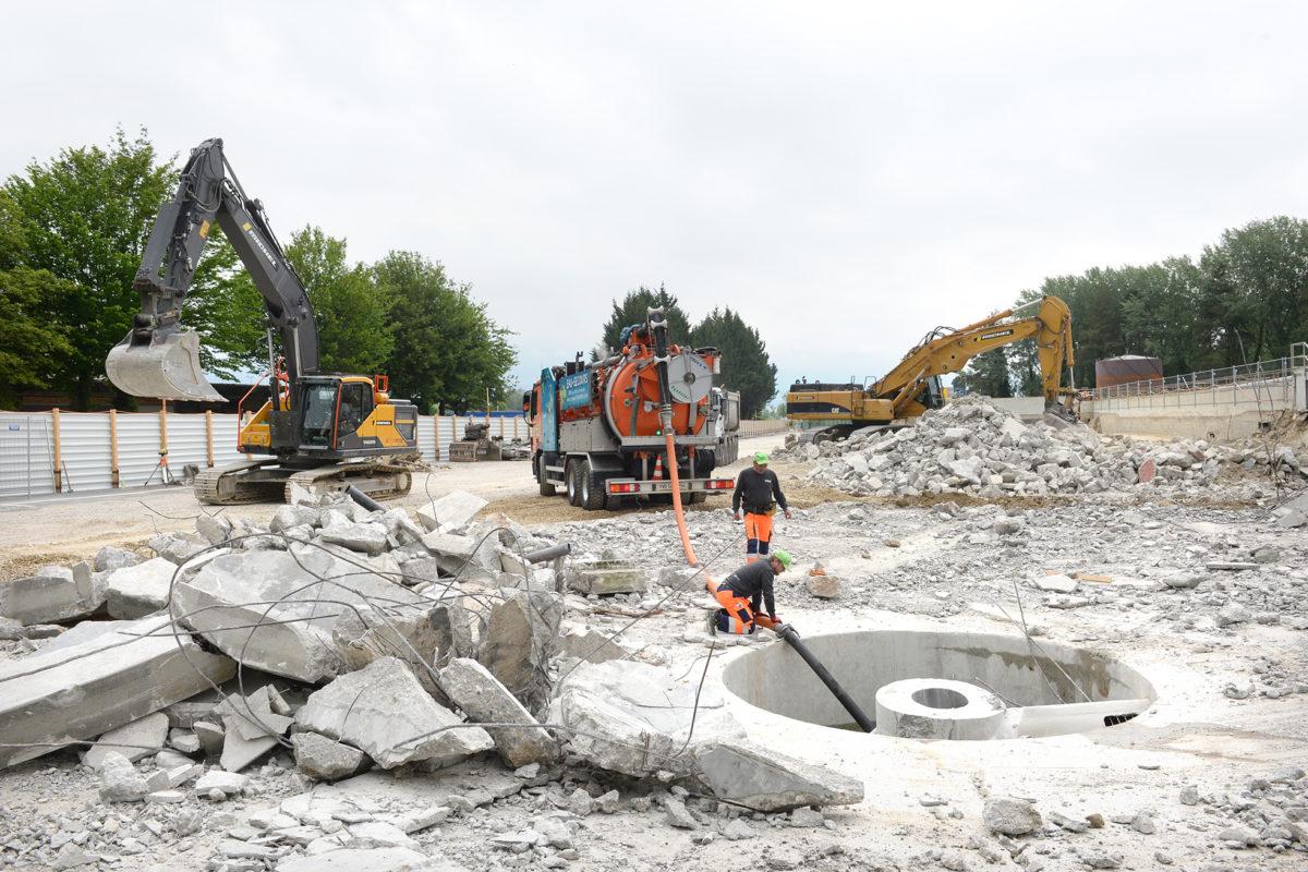 Après la démolition, la reconstruction