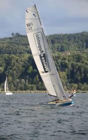 Le bateau de Jean-François Burkhalter est extrêmement efficace sur les plans d'eau calmes... © Christiane Baudraz