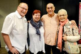 Raymond et Muriel Amaron, ainsi que Georges et Marinette Dumard, affichent quinze ans d'amitié au compteur grâce à Alain Morisod. © Michel Duperrex