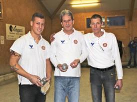 Yverdon I, meilleure triplette régionale, avec (de g. à dr.) Kevin Cuche, Jean-Pierre Zaneth et Gilles Cunin. © Roger Juillerat