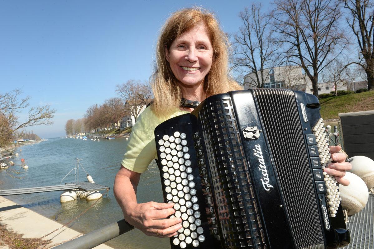Son cœur vibre pour l'accordéon