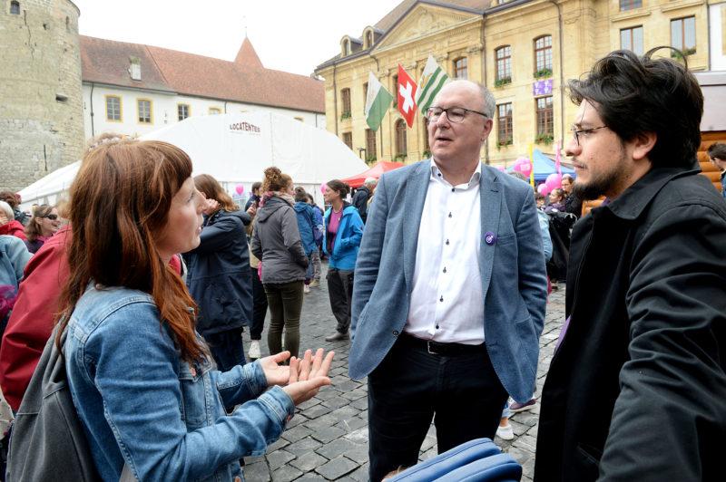 L'ancien conseiller d'Etat Pierre-Yves Maillard et actuel président de l'Union syndicale suisse s'est joint à la foule, à Yverdon-les-Bains. © Michel Duperrex