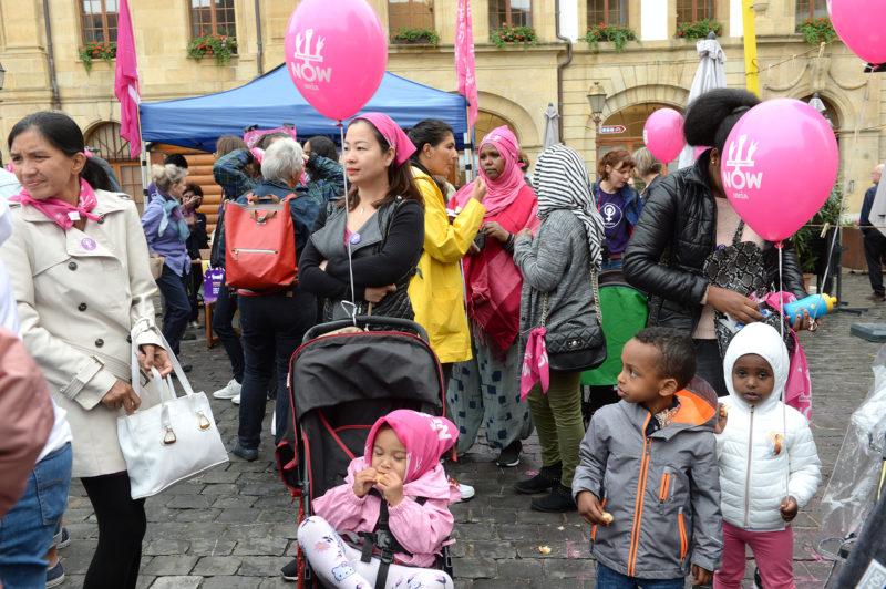 Quels que soient leur âge, leur milieu, leur ethnie ou leur religion, les femmes se sont affichées solidaires lors de la grève nationale du 14 juin. © Michel Duperrex