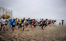 Le départ a été donné à 150 coureurs à la plage d'Yverdon. © Nadine Jacquet