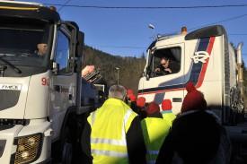 Certains camionneurs ont mal réagi aux retards engendrés par la manifestation.