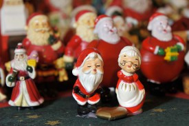 Sur les buffets, trônent des dizaines et des dizaines de figurines.