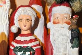 Dans la collection de Michel Robert, le Père Noël est marié.