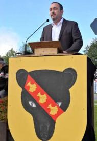 Le municipal Laurent Nydegger (à g.) a conduit l'événement devant une assistance estimée à 250 personnes par les organisateurs.
