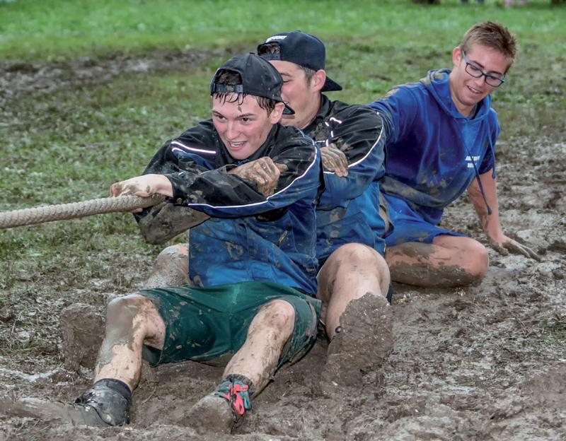 La pluie battante n'a pas semblé déstabiliser la Jeunesse de Rances. ©Champi