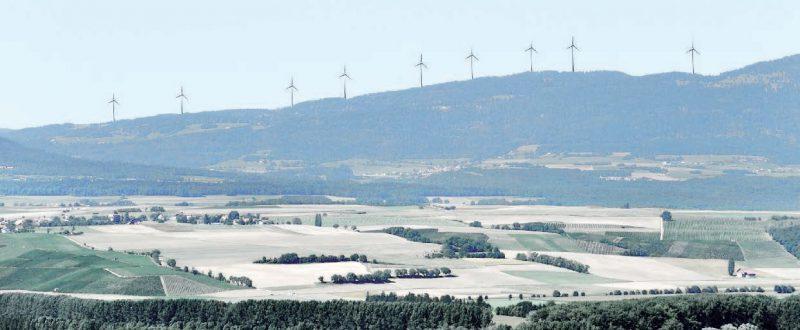 Le projet de Bel Coster et ses neuf éoliennes, sur les hauteurs de Ballaigues, Lignerolle et L'Abergement, tel qu'il est prévu. Image d'illustration
