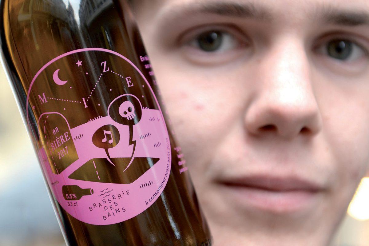 La musique pop «Mize» en bouteille