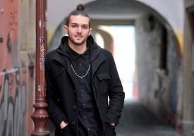 De retour en Suisse pour les fêtes, David Ferran se confie sur sa nouvelle vie de danseur pour le célèbre spectacle musical «Le Retour des dix commandements». ©Michel Duperrex