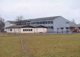 L'extension du collège En Brit n'a visiblement pas terminé de faire jaser dans la localité tapa-sabllia. ©Michel Duperrex