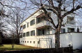 Trois immeubles de l'avenue des Quatre Marronniers constituent un ensemble architectural cohérent de l'ère cubique. Ici, le bâtiment situé au numéro 2, construit en 1935. ©Michel Duperrex