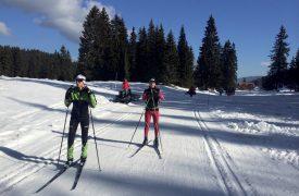 Les juniors Alec Berney (à g.) et Guillaume Rochat (à dr.) lors de leur préparation au premier record de la piste. Ils ont parcouru les 5,6 km du Challenge du Risoud en 15'10''. Record à battre! ©DR