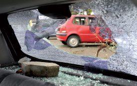 Fawaz Mcheik devra amener ses voitures à la casse, au lieu de les exporter. ©Michel Duperrex