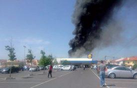 C'est sur ce supermarché à quelques kilomètres de l'aéroport de Tires (Cascais) que l'avion s'est écrasé. ©Capture d'écran/DR