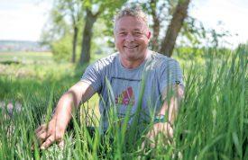 Christian Mojonnier, du Service des travaux d'Orbe, espère que ce projet de renaturation abritera une faune et une flore diversifiées. ©Simon Gabioud