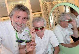Dominique Petetin (à g.) et Gérard Ramelet (à dr.) partiront à la retraite dès demain. ©Michel Duperrex