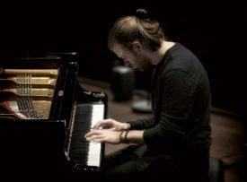 Découvrez la musique d'une autre façon avec le jazzman yverdonnois Colin Vallon, pianiste reconnu dans le monde entier. ©Caterina Di Perri