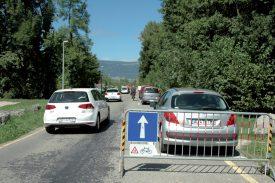 Le sens unique, exception faite pour les cyclistes qui pourront y circuler dans les deux sens, est confirmé au chemin des Grèves de Clendy. ©Raposo