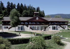 Le bâtiment principal du Camp de Vaumarcus, datant de 1920, a conservé toute son allure, malgré l'année de travaux qu'il a subi. Pour le plus grand plaisir des futurs visiteurs. ©DR
