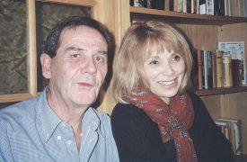 Mireille Darc et son cousin germain Gilbert Lassueur, dans la maison de ce dernier, aux Tuileries-de-Grandson, il y a tout juste vingt ans. ©DR