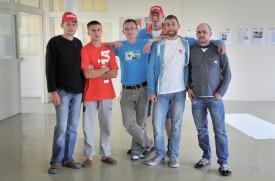 Les six ouvriers en grève (de g. À dr.): Andzej Orell, Artur Potoczny, Jan Zdziarski, Tomasz Wanielista, Piotr Czubski et Lukasz Milczanowski. ©Michel Duperrex