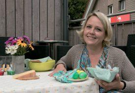Nathalie Lafosse a travaillé jour et nuit, ces dernières semaines, pour lancer son nouveau projet de couvercle alimentaire écologique, le beeswrap. ©DR