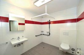 Une salle d'eau qui favorise la mobilité (ici, la Résidence Agate). ©Duperrex-a