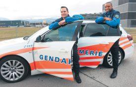 Kévin et Olivier ont prêté leur visage pour la campagne de recrutement de la Police cantonale 2018. ©Michel Duperrex