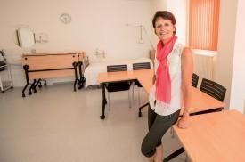 Edith Coutaz Rittener, chargée de formation, dans l'une des salles de cours des EHNV, aménagées pour permettre aux collaborateurs de suivre des cours théoriques et pratiques. ©Muriel Aubert