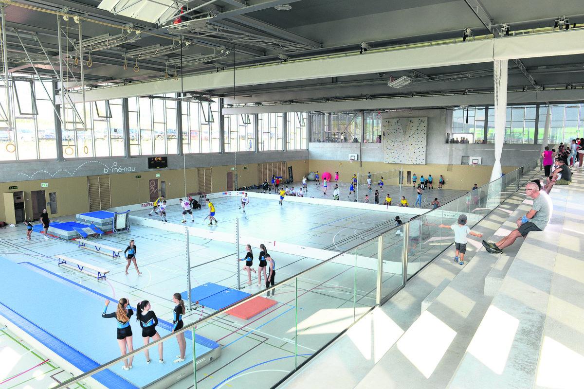 La gestion du centre sportif a mis des communes sur les gradins