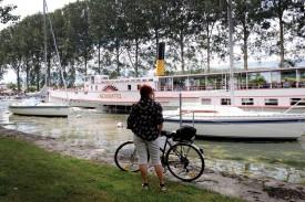 Le bateau «Neuchâtel» va faire des apparitions plus régulières dans la Cité thermale. © Jaquet -a