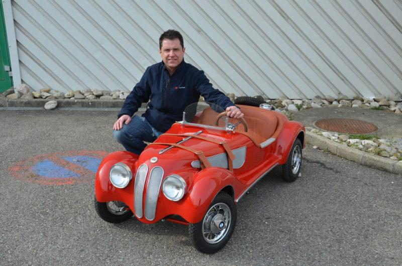 Leonel Silva a amélioré le concept des Sbarro Baby, lancé en 1976 par Franco Sbarro, en y intégrant un bouton d'arrêt d'urgence.