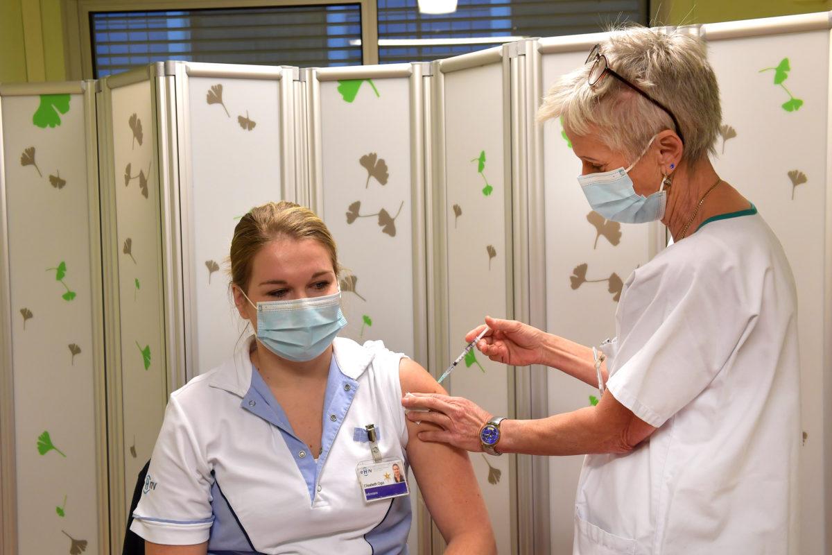 La vaccination désormais ouverte aux plus de 18 ans dans le canton de Vaud!