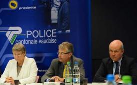 La conseillère d'Etat Béatrice Métraux, le commandant de la Police cantonale Jacques Antenen et le procureur général du Canton de Vaud, Eric Cottier.